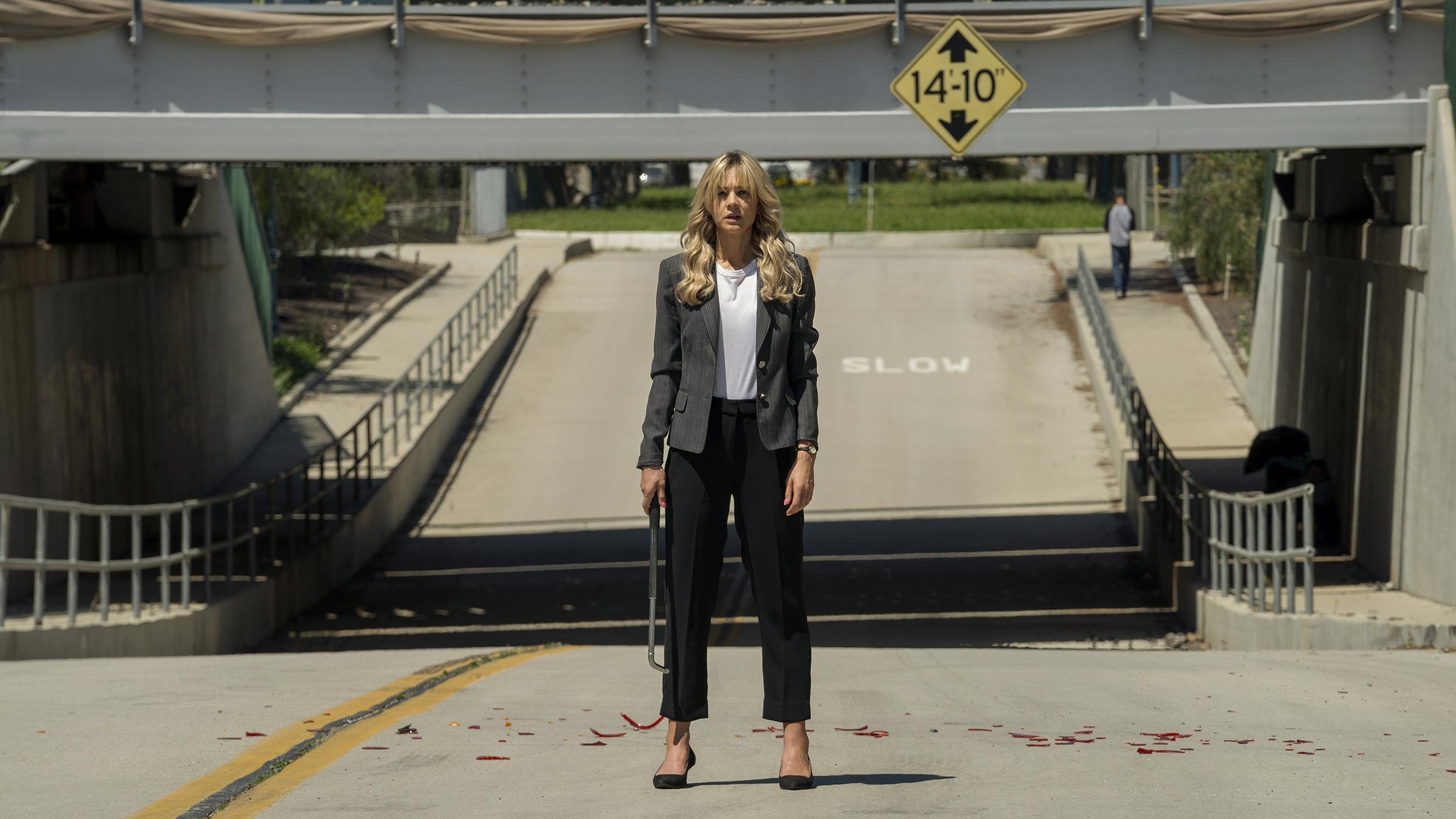 Carey Mulligan Emerald Fennellin ohjaamassa elokuvassa Lupaava nuori nainen
